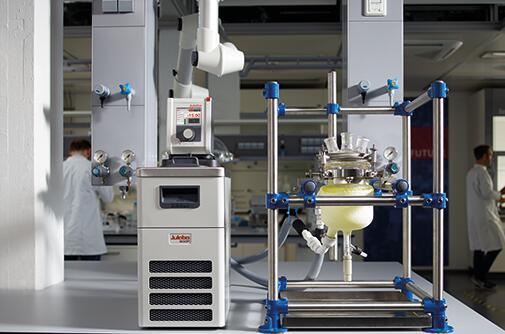 ACE Glass 2L双夹套反应釜使用优莱博Presto LH 85的温度控制案例分析